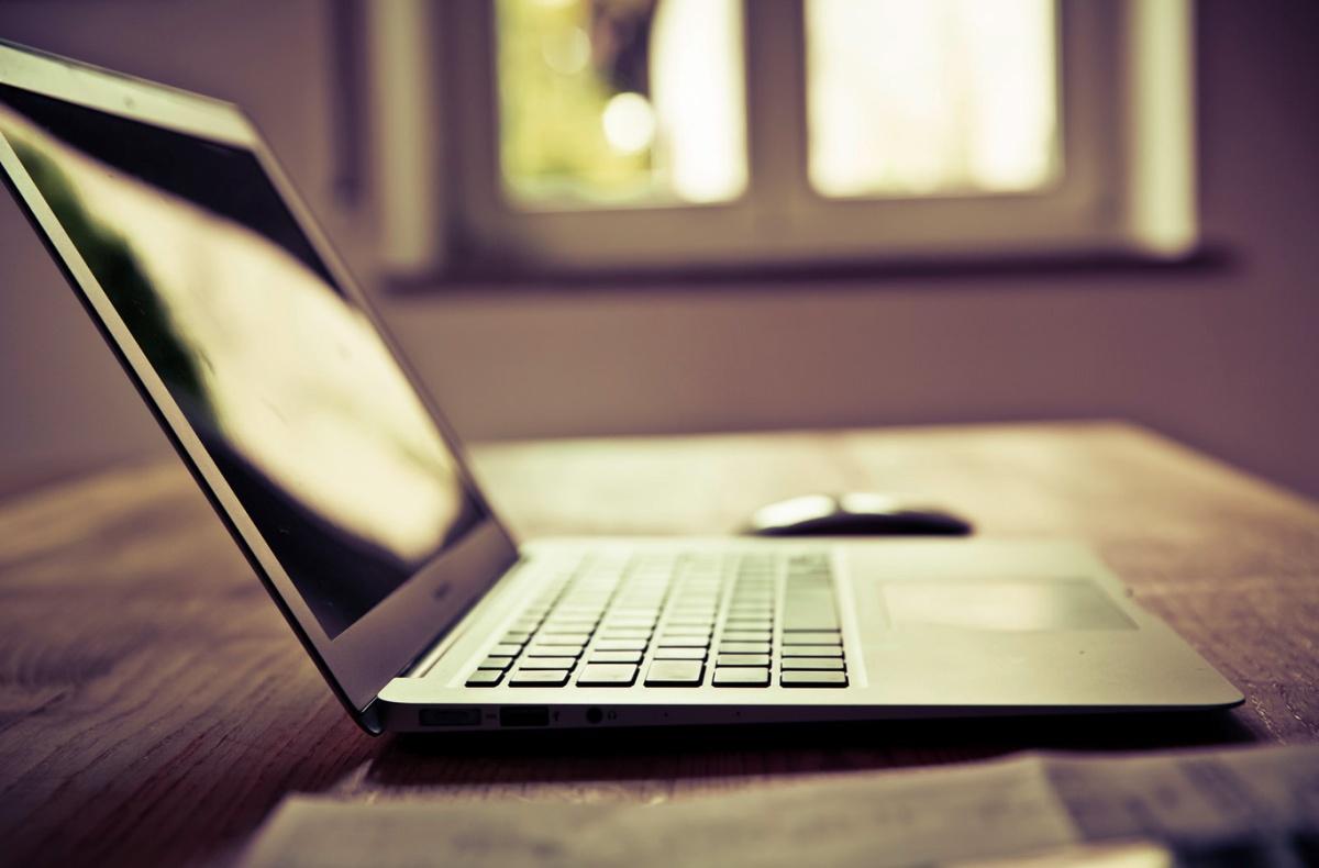 Need help on essay pleaseeee !?